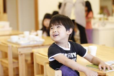 【茨木市 企業主導型】託児可能なので、お子様のいる保育士さんも勤務OK!保育料を会社が6割負担☆彡マイカー通勤可なので通勤も便利◎サビ残無し!若いスタッフが活躍中です♪