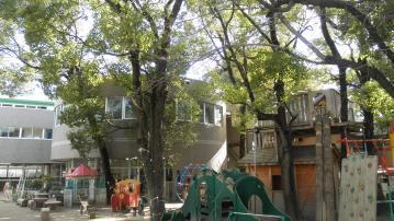 【大阪府・庄内】認定こども園でのフリー担当 (0歳~5歳) 。子供を抱きかかえる体力が必要です!