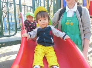 [北戸田 認可園]子どもたちと職員の笑顔がたくさんの保育室です☆年間休日125日☆彡福利厚生も大手企業ならではの充実ぶり♪JR埼京線・北戸田駅より徒歩1分でアクセスも◎